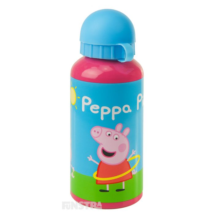 Peppa is hula hooping in a fun design on the pink drink bottle with a blue lid